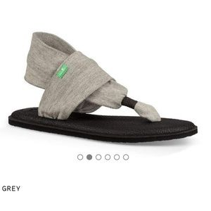 Sanuk  Sling Yoga 2 in Grey size 8